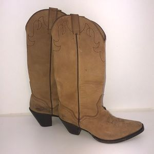Shoes - Simple Authentic Cowgirl Boots